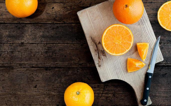tagliere legno arance a metà