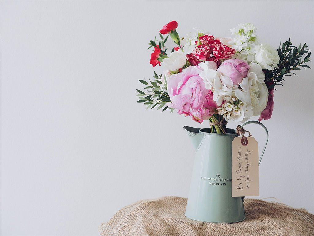 caraffa fiori dentro