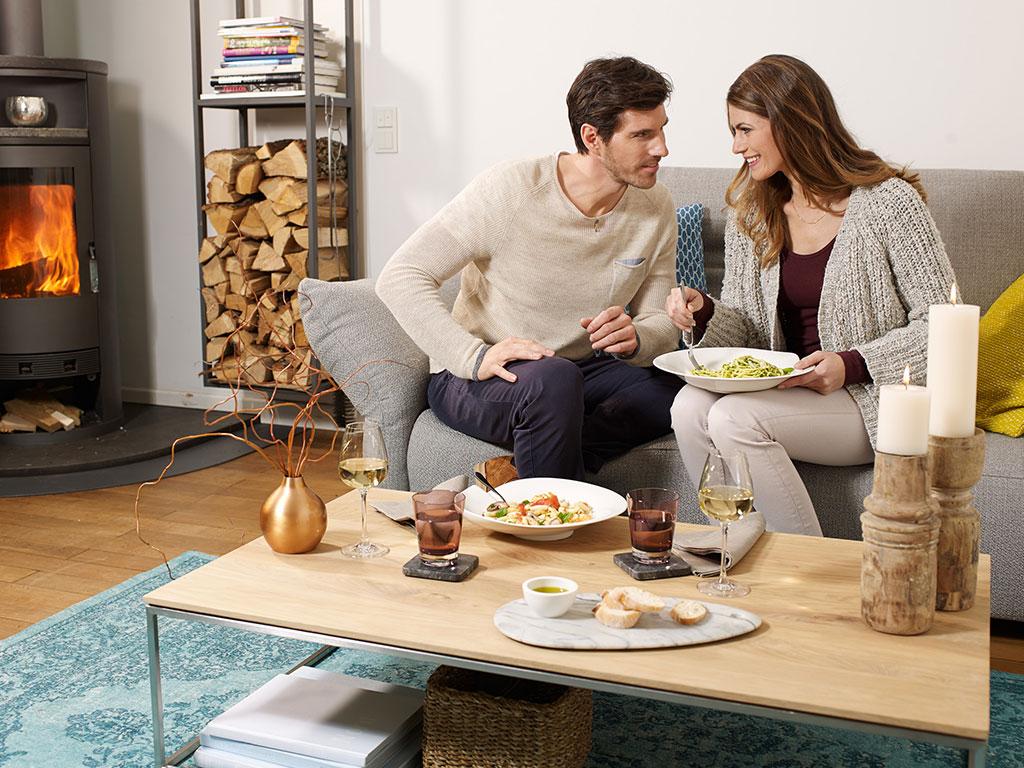 mangiare sul divano