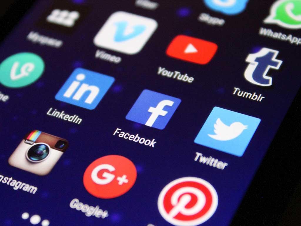 social media in vacanza