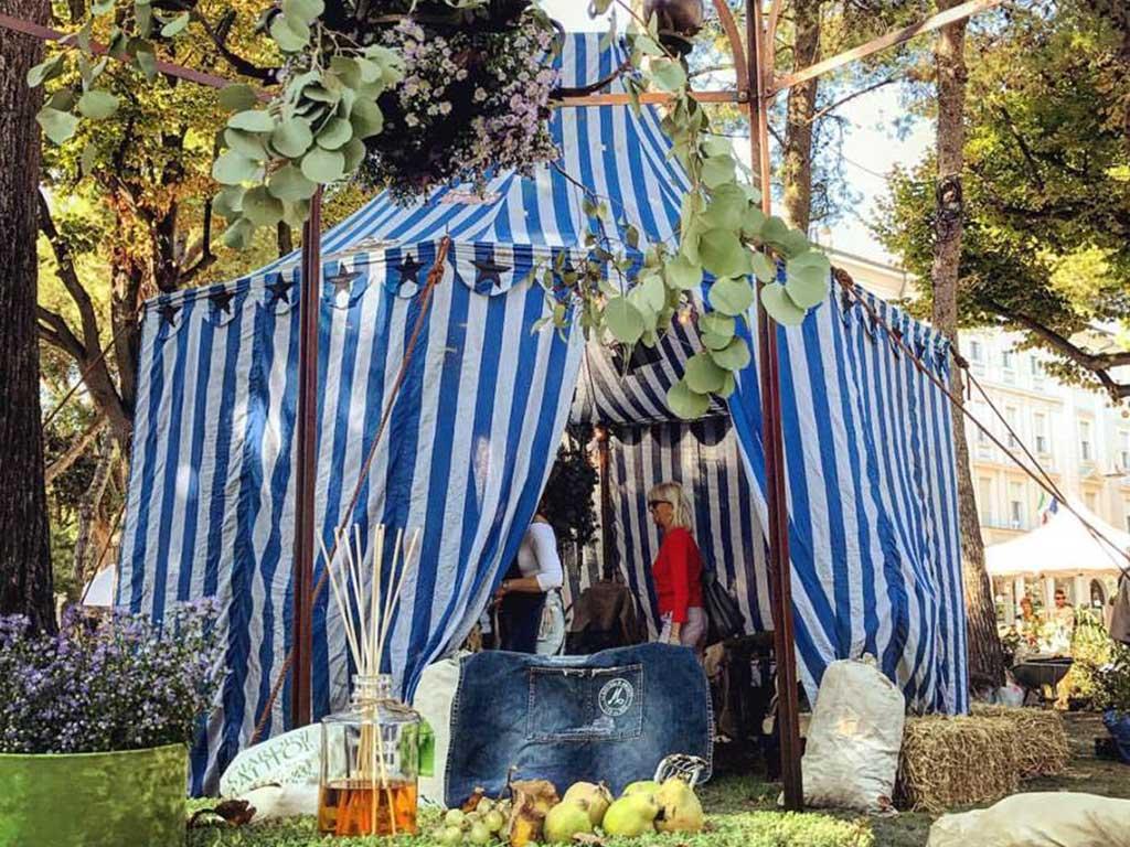 tenda circo in giardino