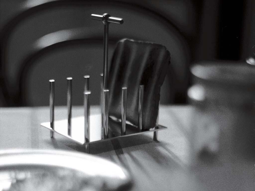 porta toast acciaio design