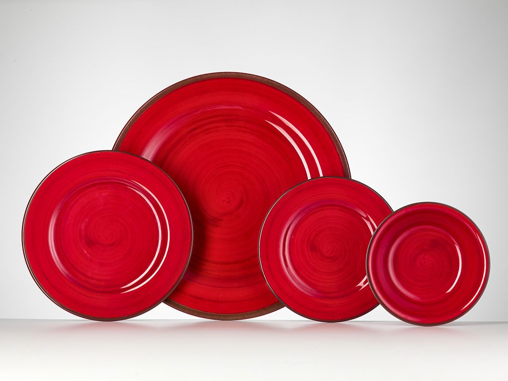 piatti rossi tavola natale