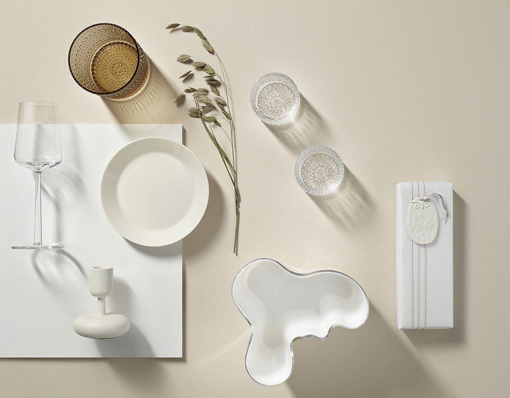 tavola monocromatica bianco
