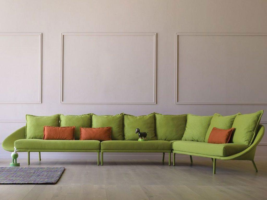 divano angolare verde design pantone