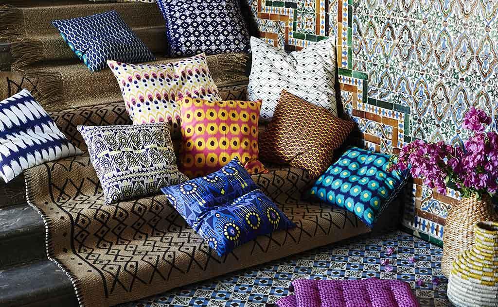 cuscini colorati casa