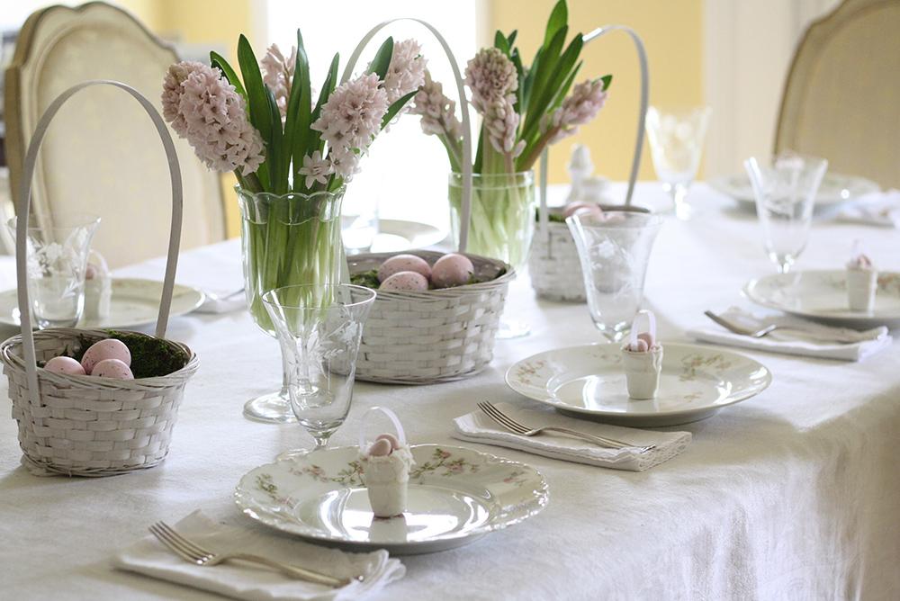 tavola apparecchiata ospiti