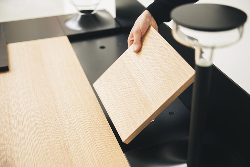 modulo quadrato in legno per piano scrivania