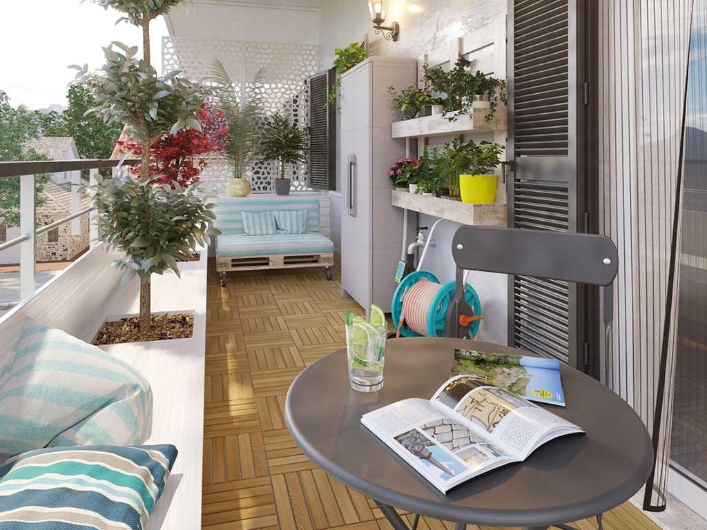balcone di casa con pavimento legno