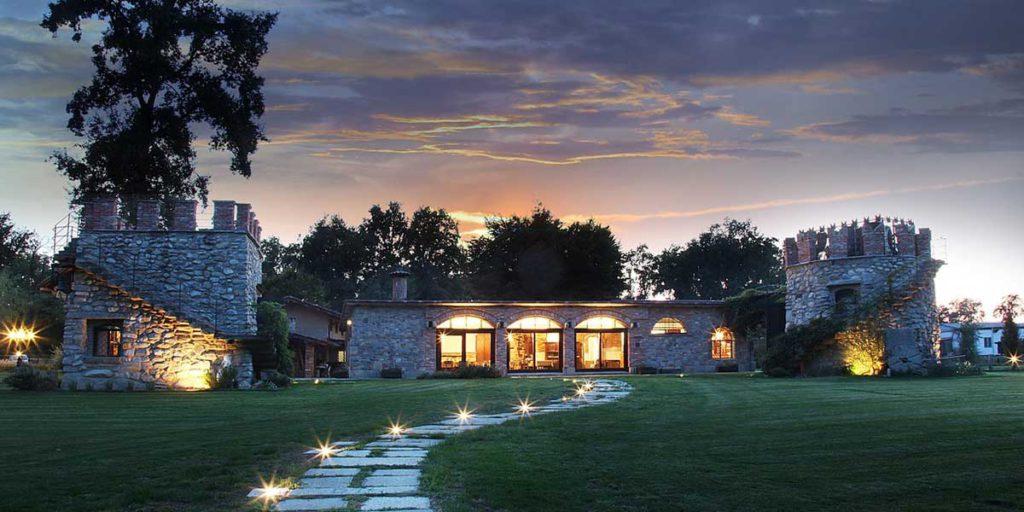 vista esterno villa prato illuminato