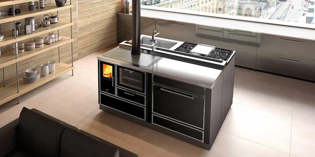 cucina a isola colore nero e acciaio