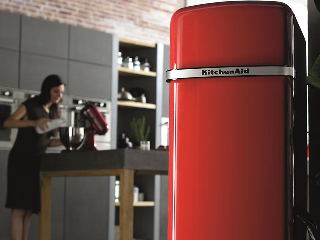 frigorifero rosso modello vintage