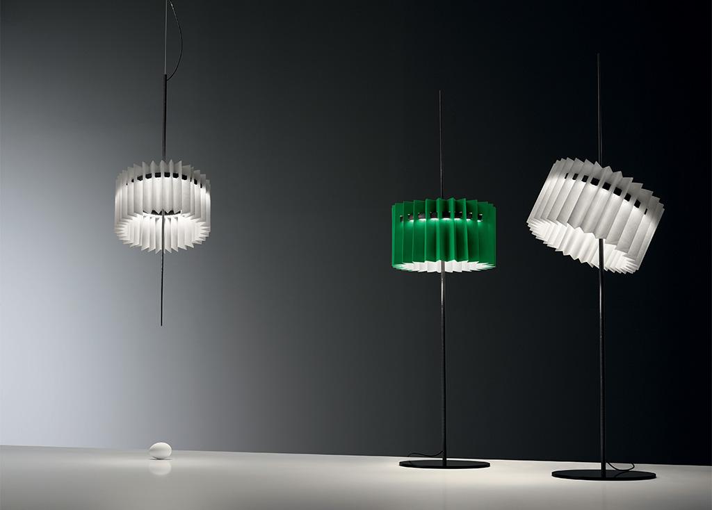 lampada a sospensione bianco e da terra verde