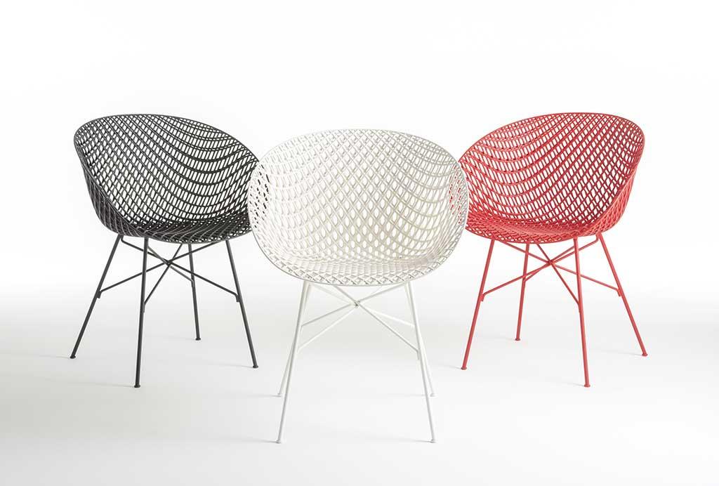 sedie colorate leggere traforate