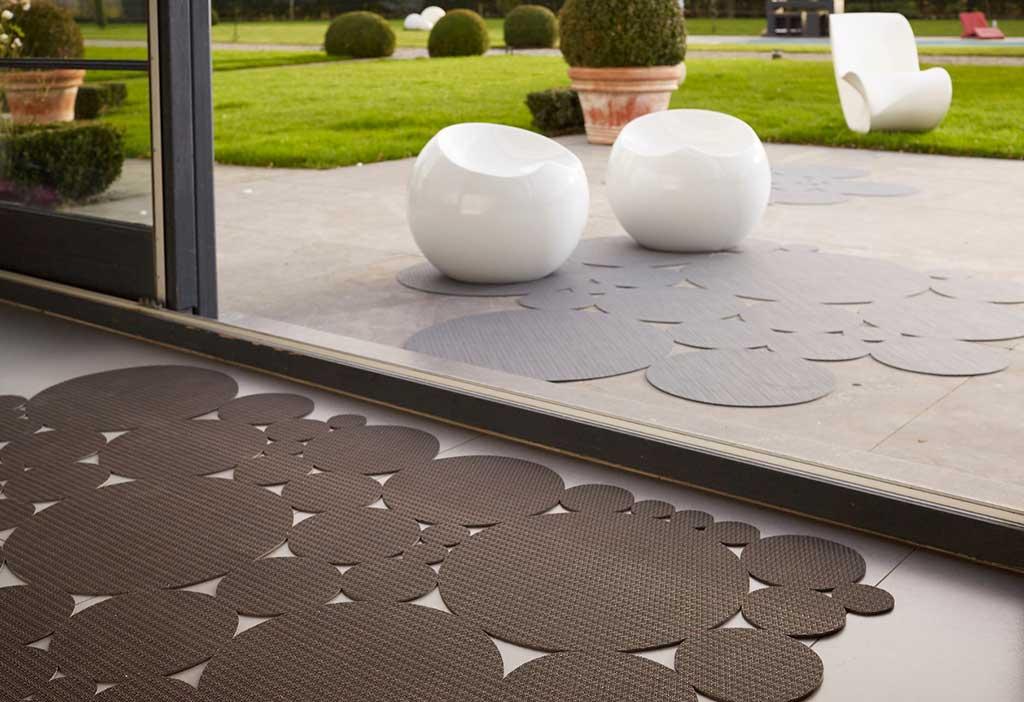 tappeto per esterni grigio