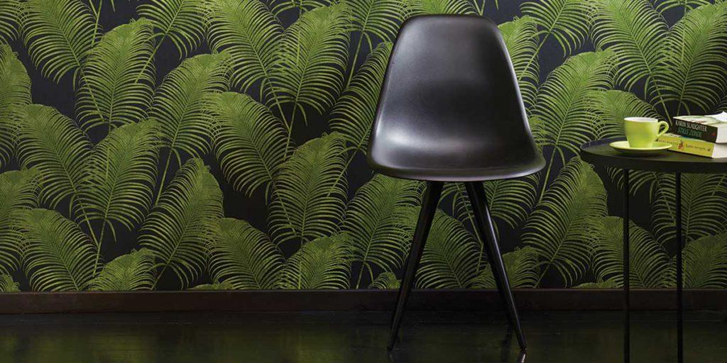 carta da parati jungle con sedia davanti