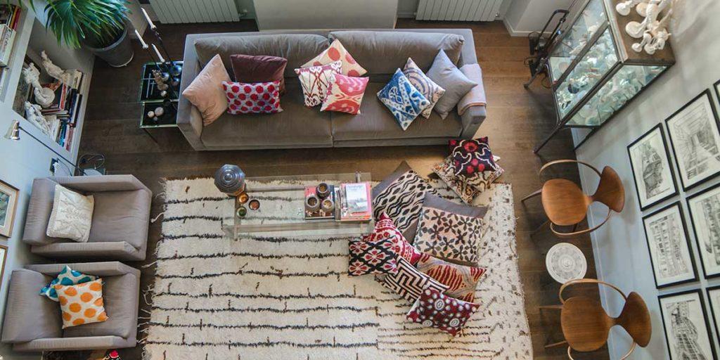 vista dall'alto living con divano