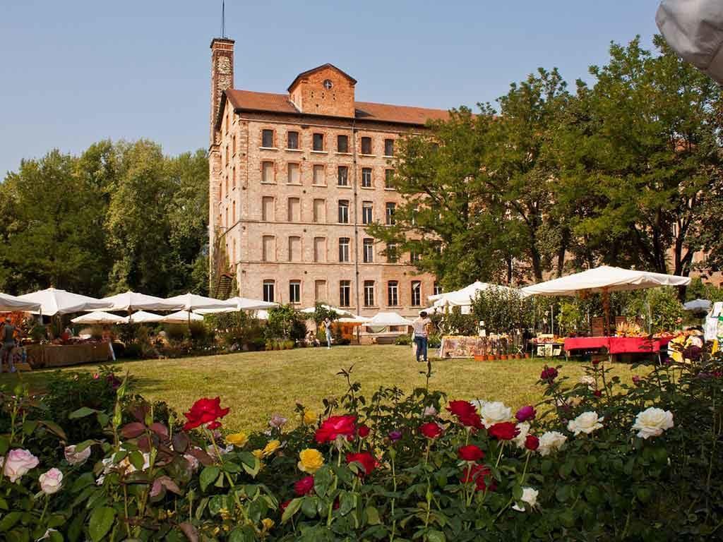villa con parco giardino