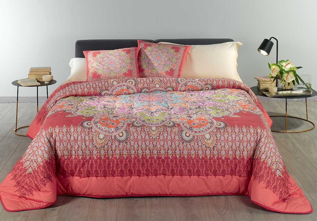 trapunta letto rosso fiori