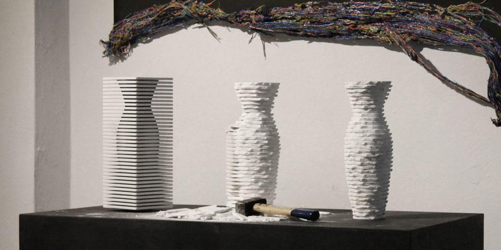 vasi di marmo fatti a mano