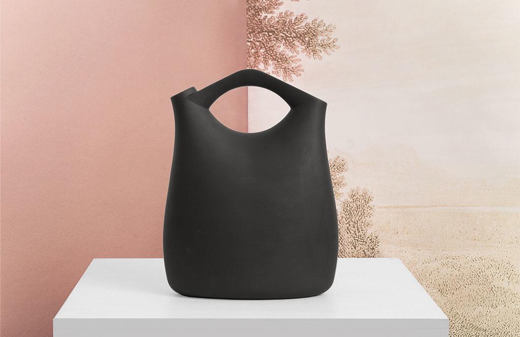 brocca ceramica nera