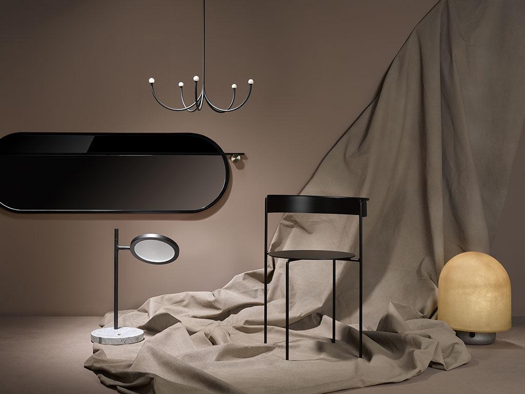 sedia lampada specchio nero