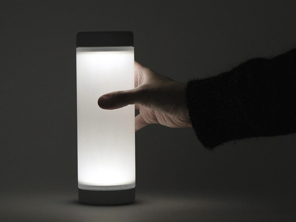 lampada tavolo accesa soft
