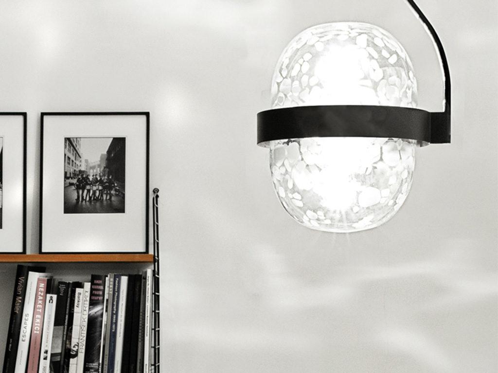 lampada sospensione accesa