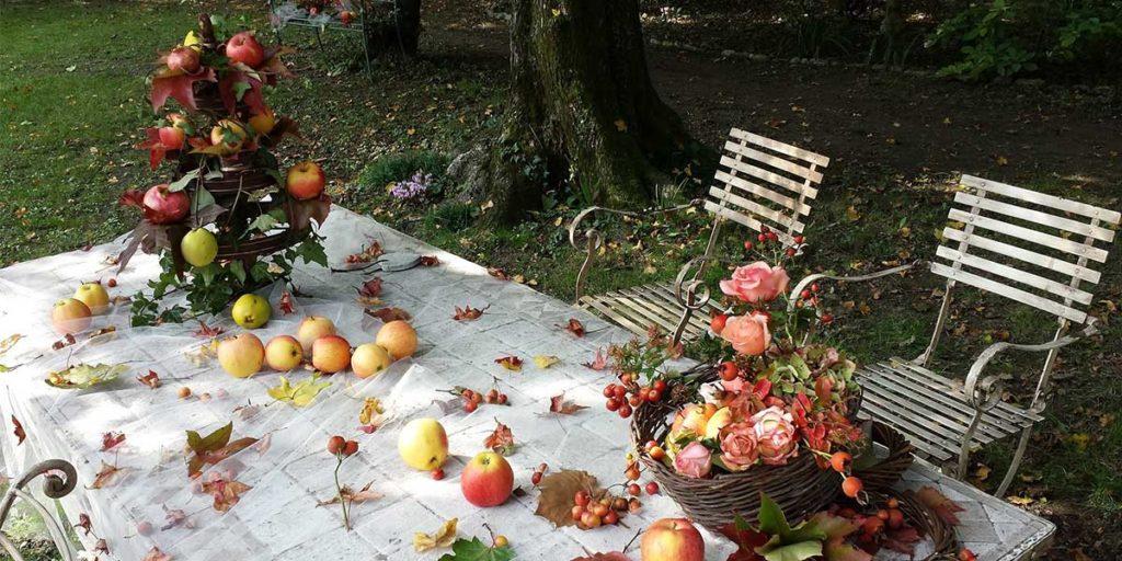 tovaglia terra mele sopra giardino