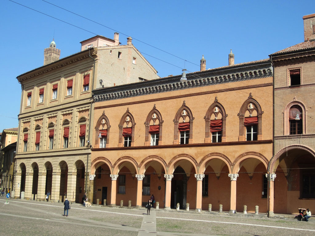 facciata palazzo isolani bologna