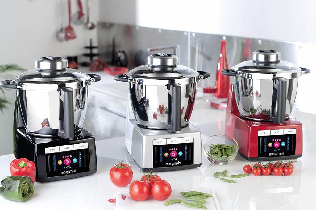 robot da cucina colorato