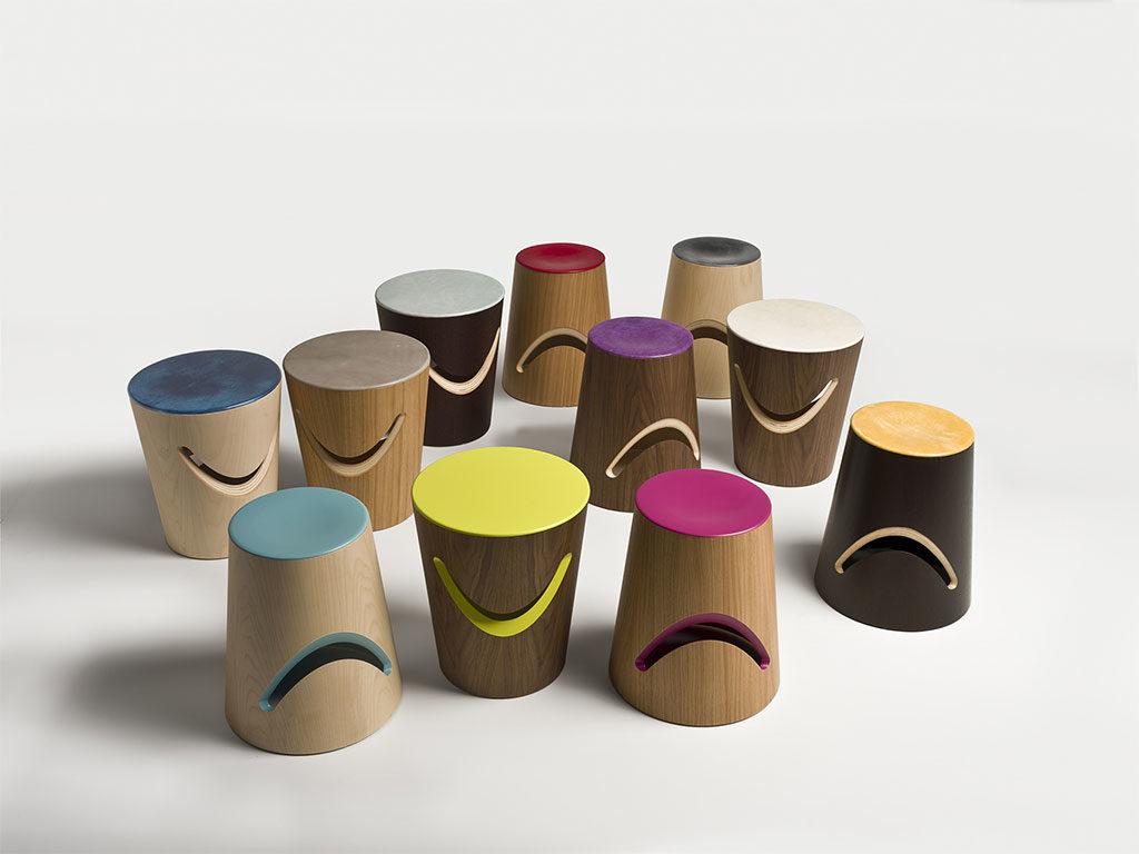tavolino sgabello legno colorato