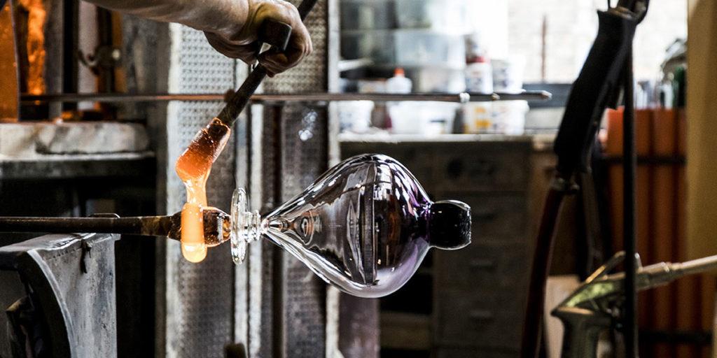 fornace vetro vaso lavorazione