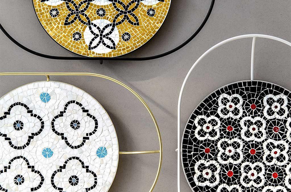 vassoi in mosaico colorato
