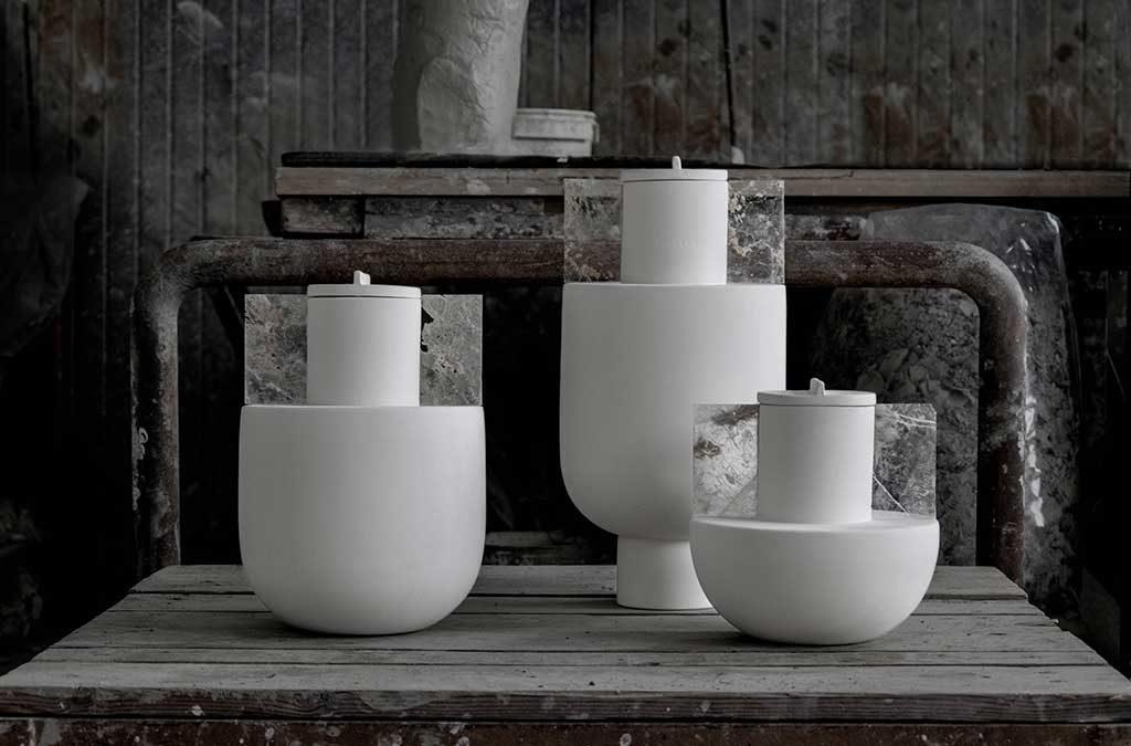 vasi bianchi fatti al tornio