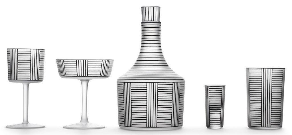 bottiglia e bicchieri cristallo