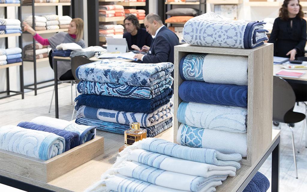 asciugamani esposti fiera