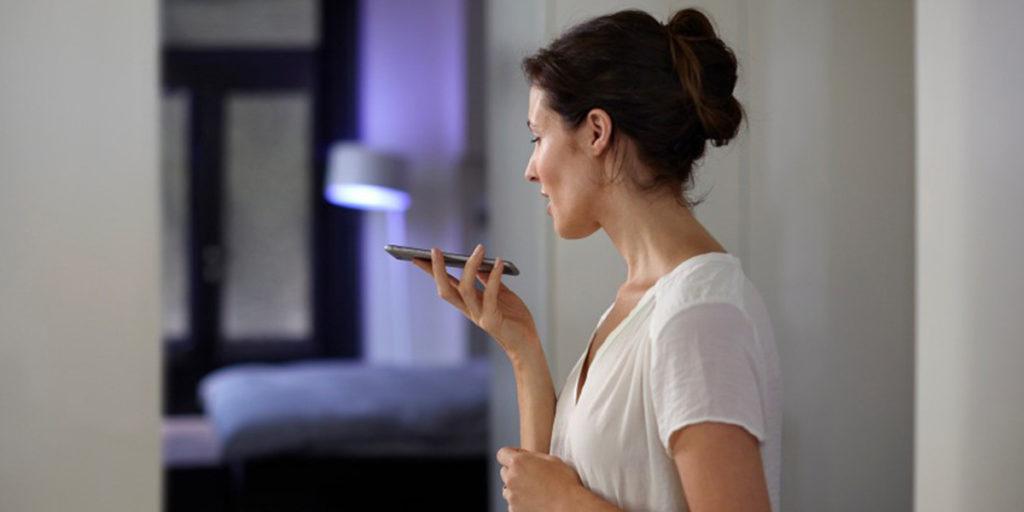 comando vocale cellulare donna