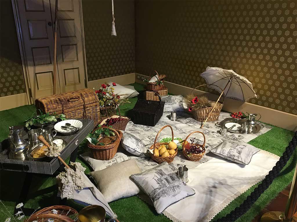 stanza regency tavola