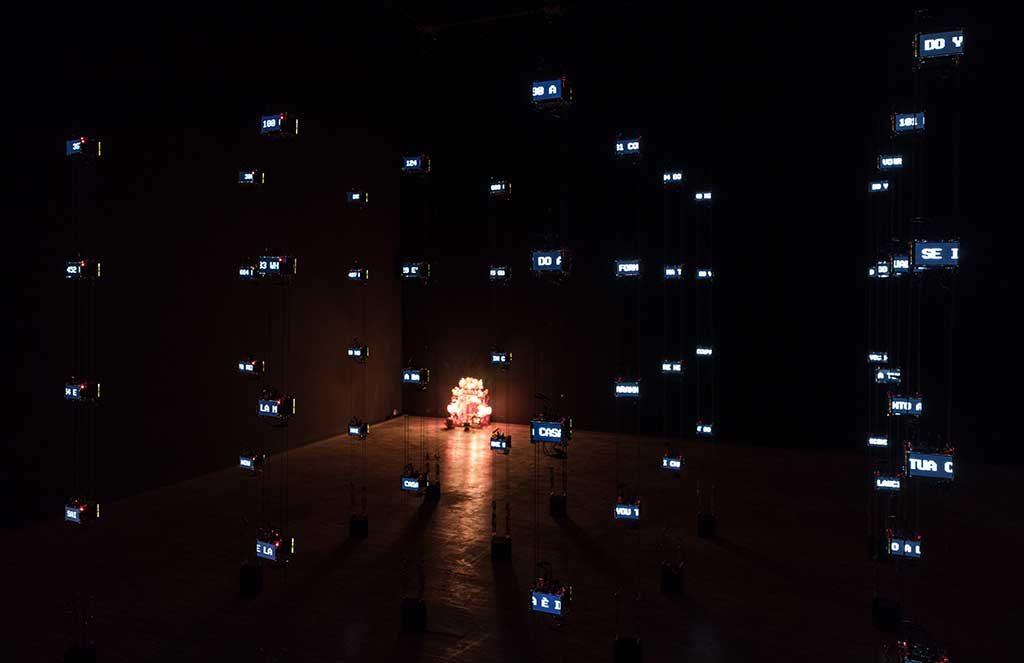 installazione luminosa triennale