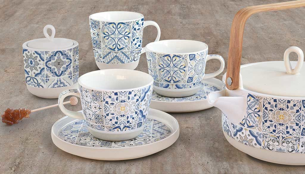 tazze e teiera ceramica