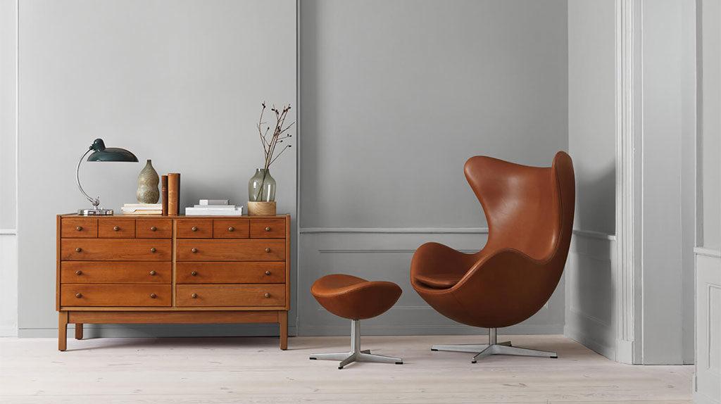 chaise longue pelle marrone