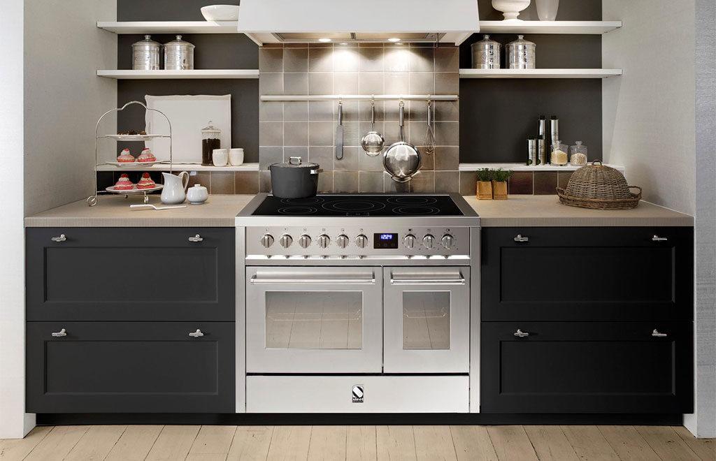 cucina libera installazione acciaio