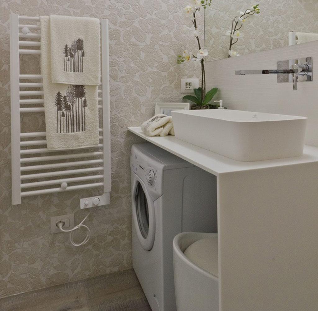 lavabo appoggiato bagno lavatrice