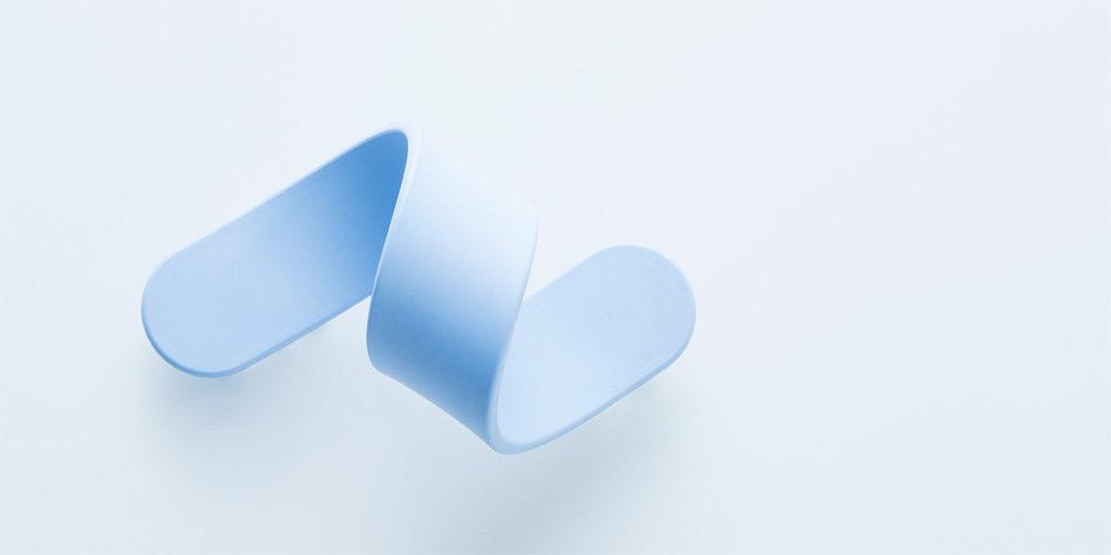 striscia materiale plastico azzurro