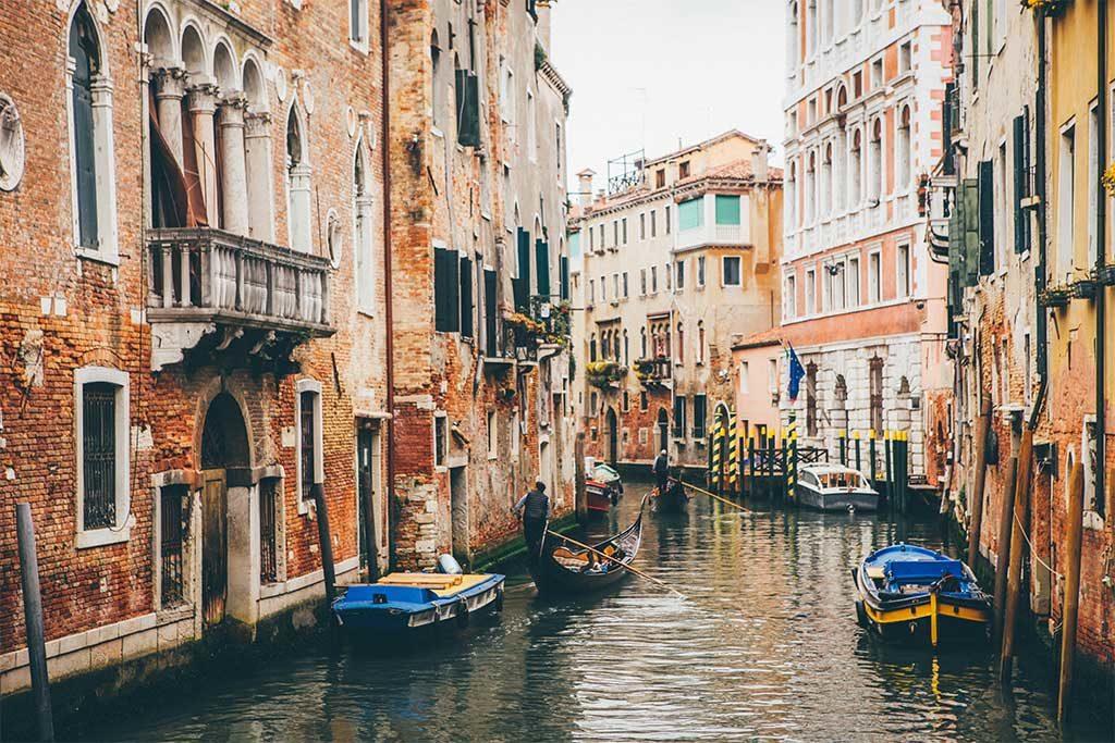 venezia canale gondole