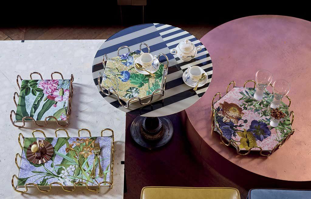 vassoi decorati oro e fiori