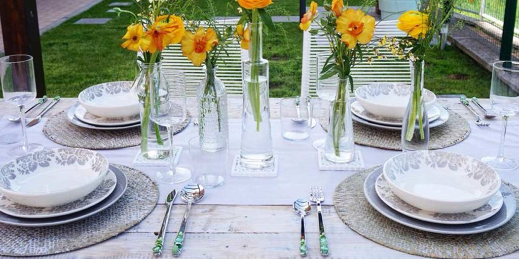 tavola apparecchiata primavera