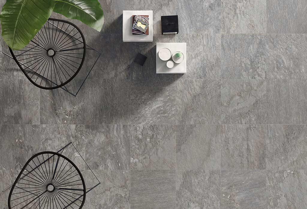 pavimento grigio chiaro