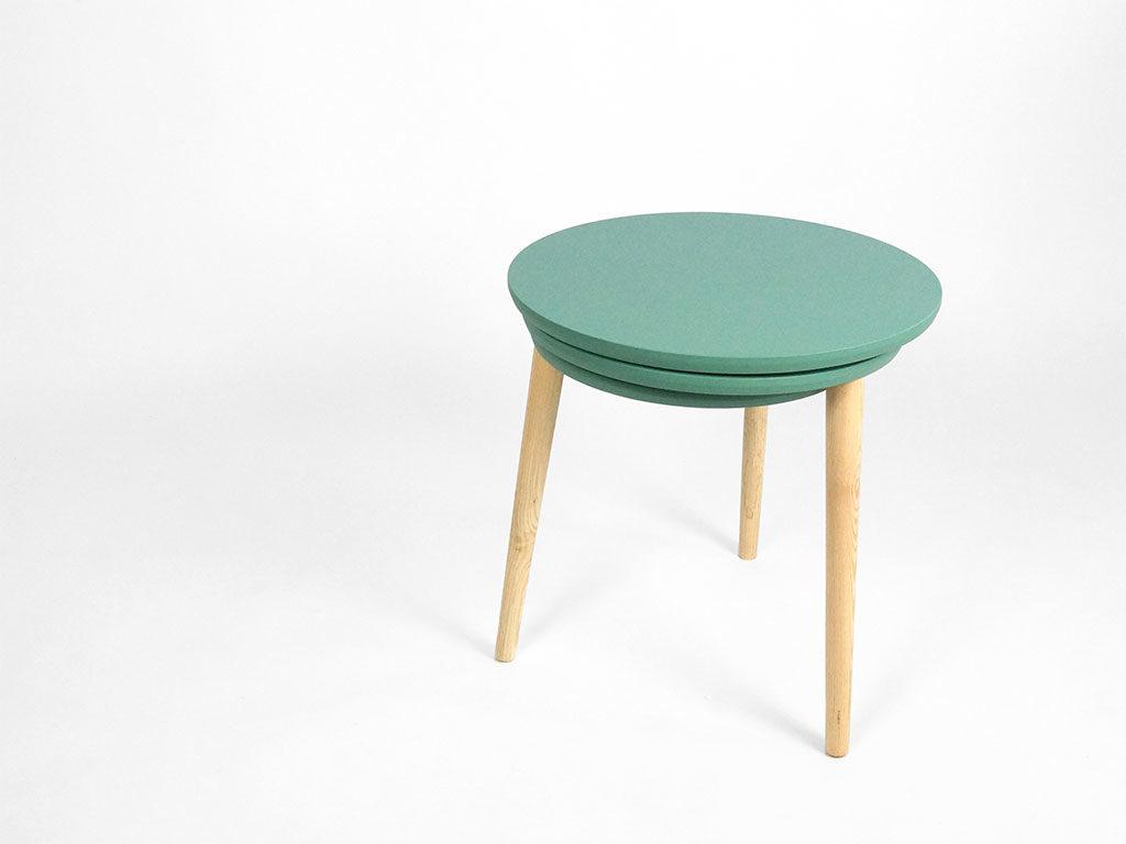 tavolinetto basso verde chiuso
